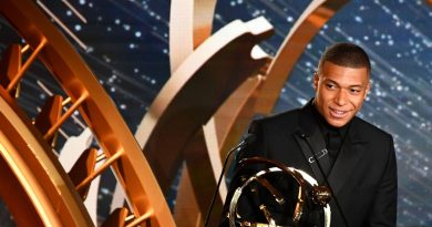 Mbappe issues PSG ultimatum at Ligue 1 awards