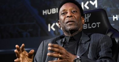 Pele statue unveiled to mark 50th anniversary of World Cup triumph