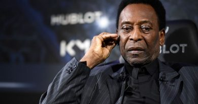 Brazil great Pele gets COVID-19 vaccine, urges social responsibility in virus fight