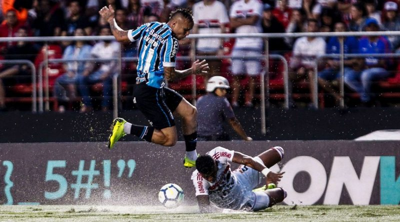 Manchester United Eye Move For Gremio Striker Everton Soares Sources Football News Central