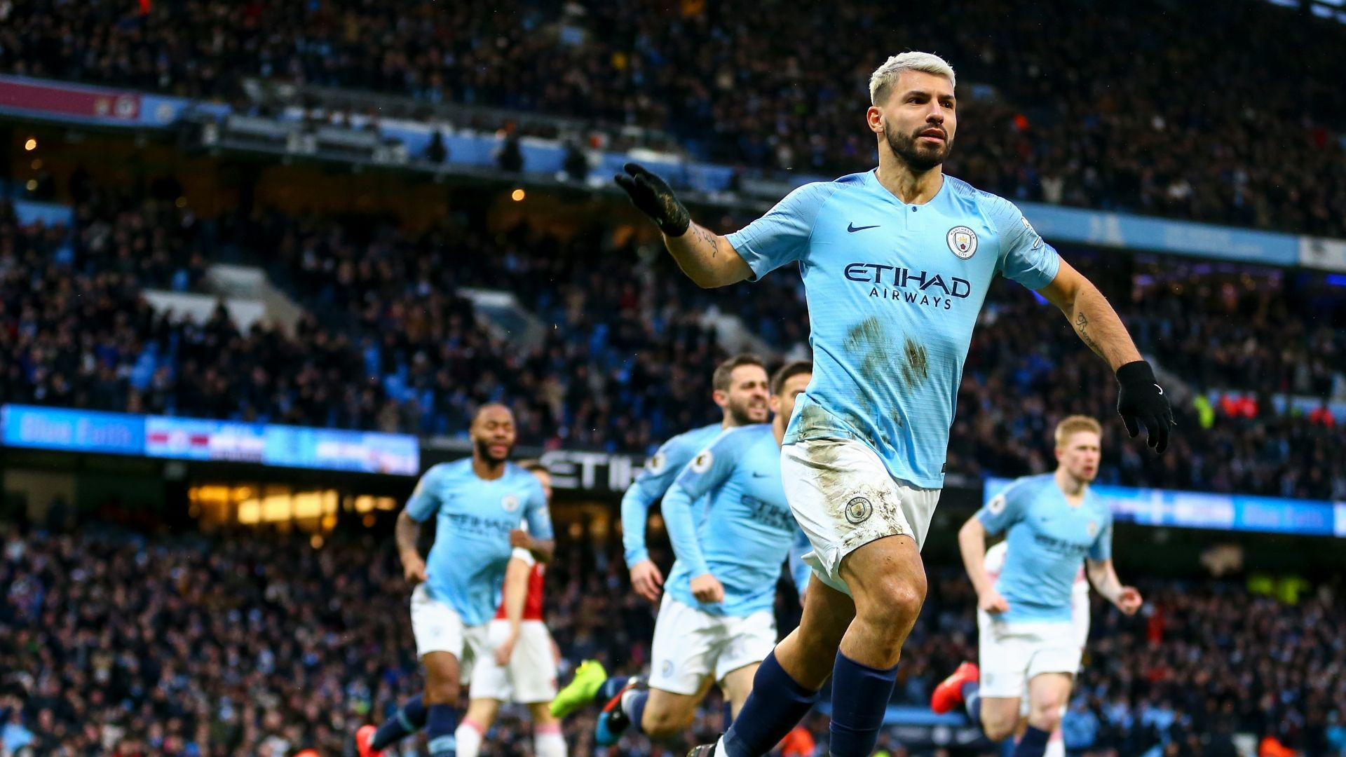 Manchester City 3 1 Arsenal Aguero Hat Trick Powers City Football News Central
